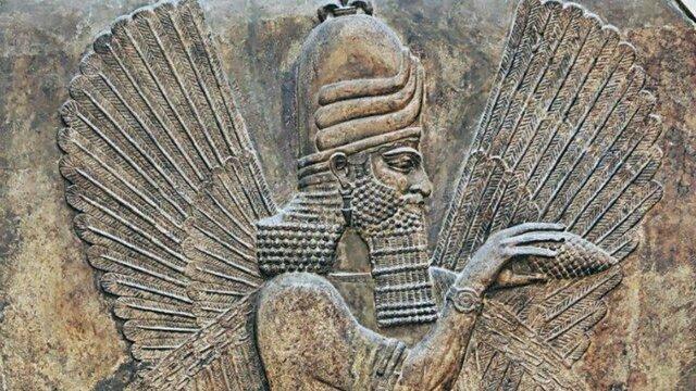 Los sacerdotes de los templos sumerios empezaron usar métodos administrativos.
