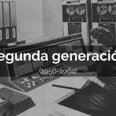 SEGUNDA GENERACIÓN DE COMPUTADORES timeline