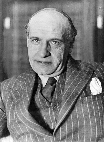 José Ortega y Gasset ( 1889 d.C - 1955 d.C)