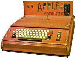 ordenadores de cuarta generacion:  APPLE 1