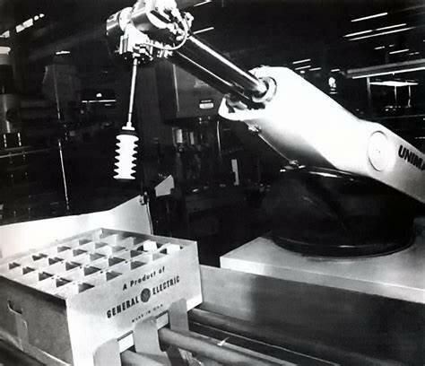 Invención del primer robot industrial