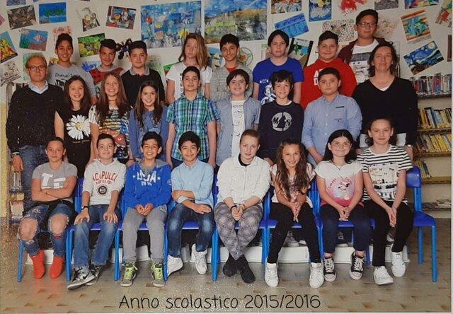 Foto di Classe Secondo Anno Scuole Medie
