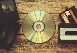APARICIÓN DEL CD