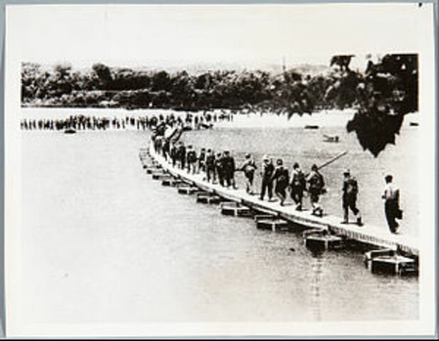 Inicio de batalla del Ebro (victoria inicial republicana)