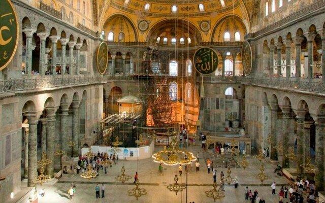 Η Αγιά Σοφιά γίνεται μουσείο