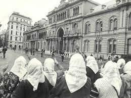 Nace las Madres de Plaza de Mayo