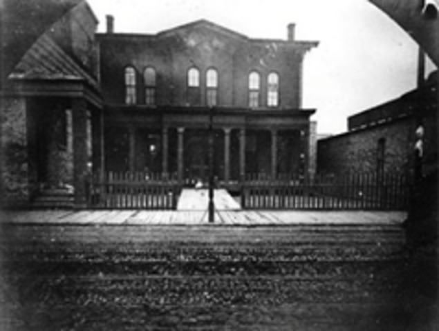 Jane Addams Opens the Hull House