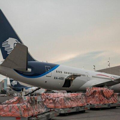 Avión de carga y pasajeros timeline