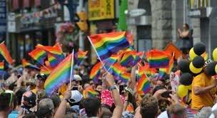 Se aprueba el matrimonio igualitario en España
