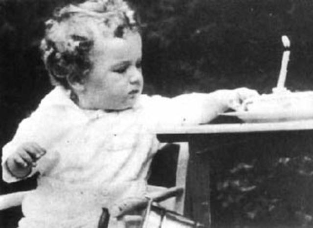 Charles Augustus Lindbergh, Jr is kidnapped