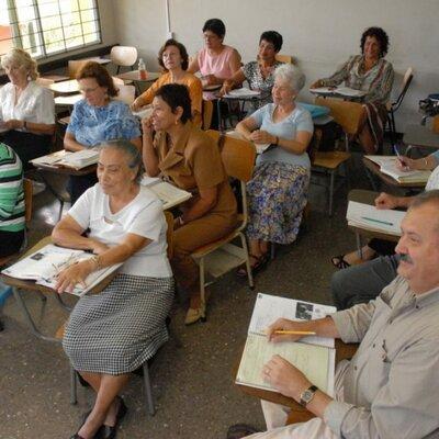 Historia de la Educación para Adultos en México 1934 - 2021 timeline