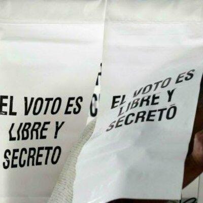 Historia de la Democracia Mexicana: De los Caudillos a las Instituciones timeline