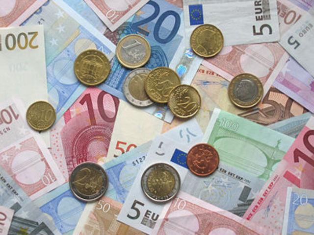 Euro começa a ser usado em transacções eletrônicas