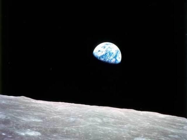 Earthrise: La misión pilotada Apolo 8 orbita la Luna