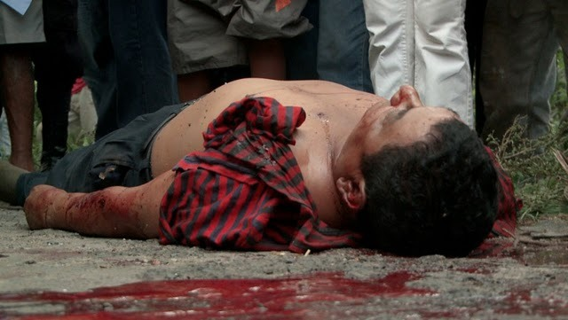 asesinan a 19 campesinos.