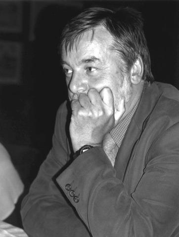Geoffrey Hodgson (1946-) Inglaterra