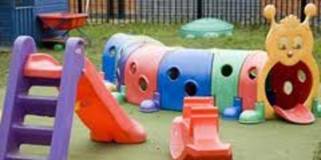 """Escuela Infantil """"Pluto"""""""
