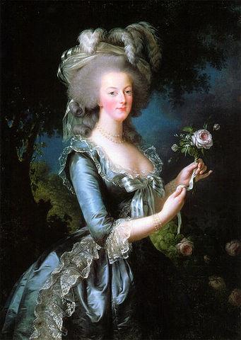 Marie Antoinette guillotined