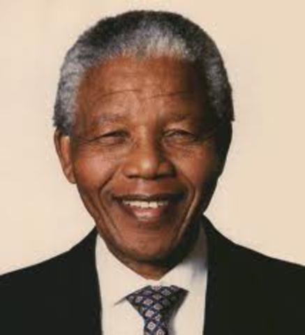 Nelson Mandela becomes President