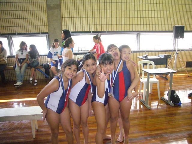 bia participou de uma competiçâo de ginastica olimpica