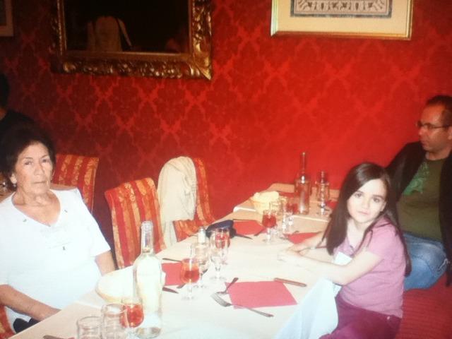 Gaby jantou pela primeira vez na FRança