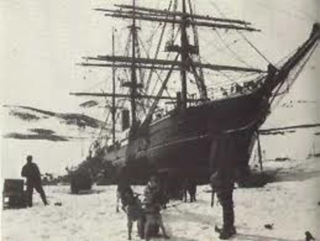 Discovery Sails Home