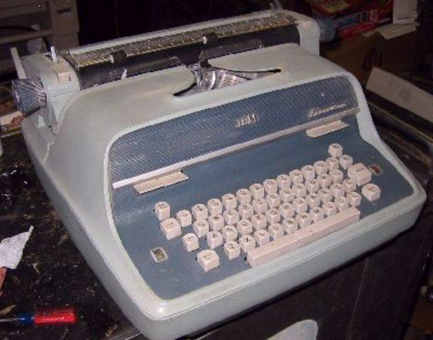 IBM creates electric typewriter
