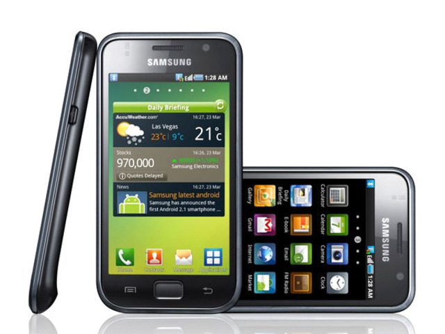 Apple warns Samsung