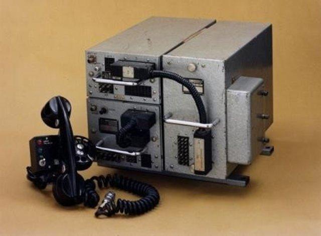 El primer  teléfono móvil de la historia