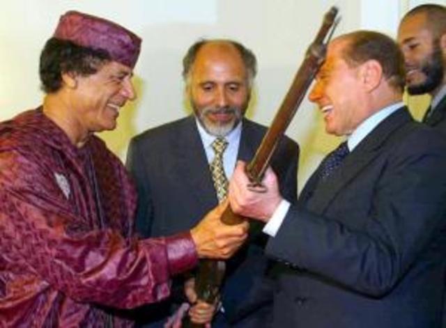 Silvio Berlusconi visita a Gaddafi