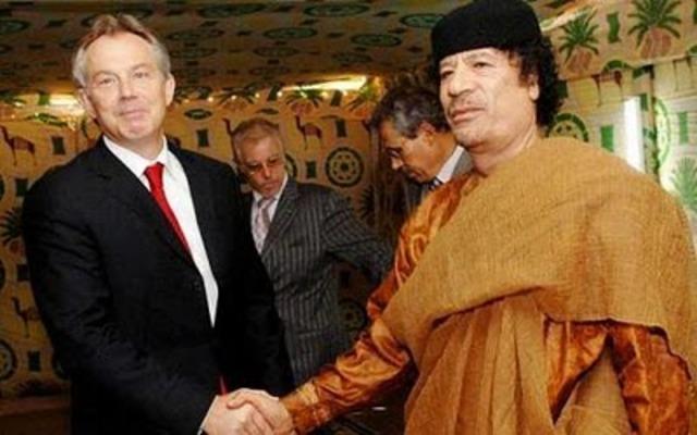 Tony Blair visita a Gaddafi