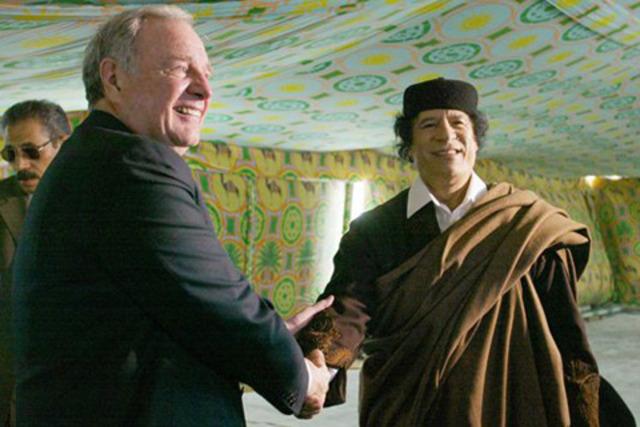 Paul  Martin visita a Gaddafi