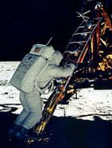 Der Adler ist gelandet - Erste Schritte auf dem Mond