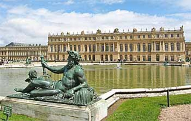 Louis expand the Palace of Versailles.