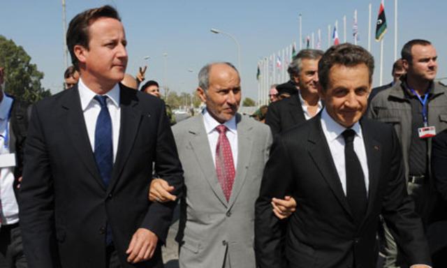 Cameron y Sarkozy visitan Libia