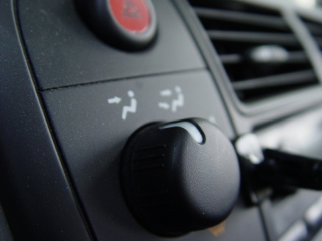 First air conditioning system added to automobiles