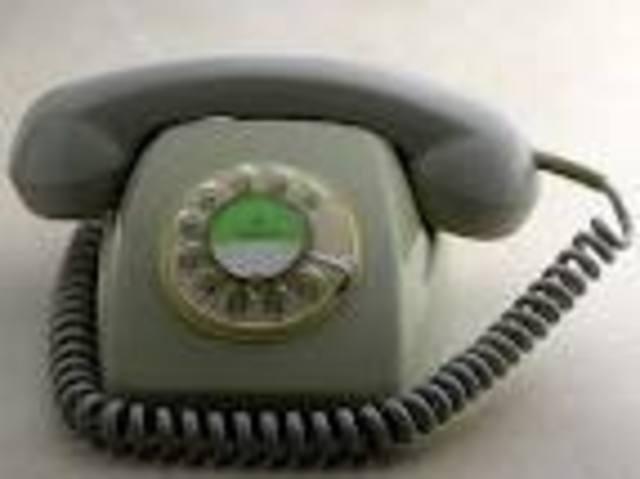 1º teléfono fijo.