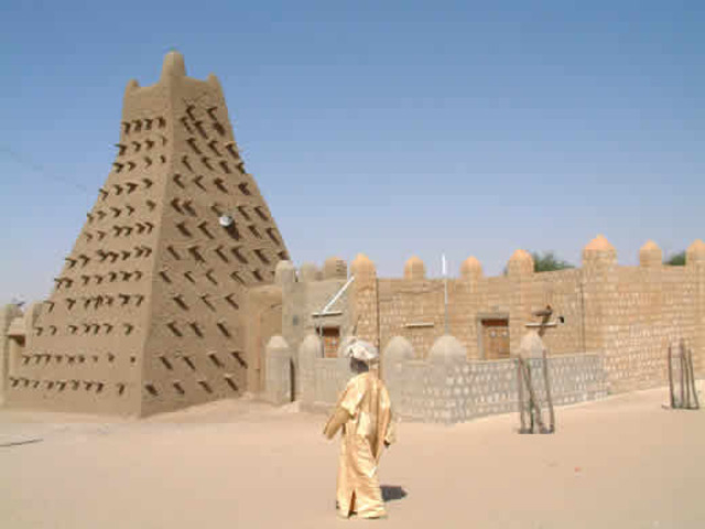 The City of Timbuktu emerges , 390 AH