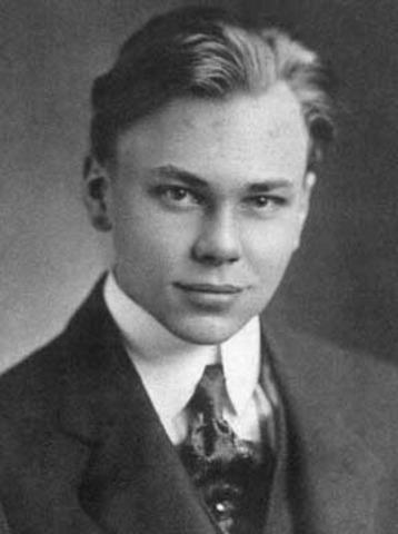Howard H. Aiken.