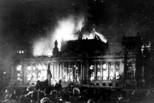 The reichstag burns