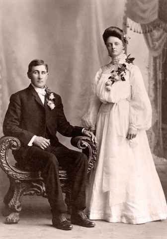 Lincolns Father Re-Marries.