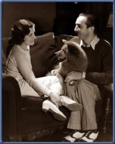 Walt Marries Lillian