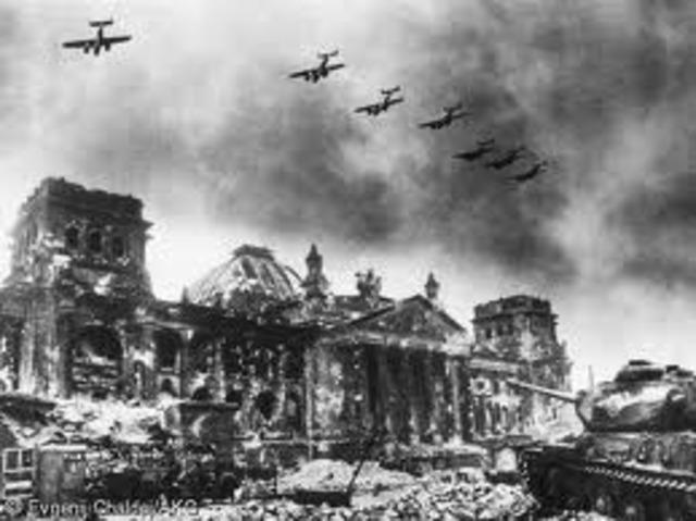 Soviets enter Berlin