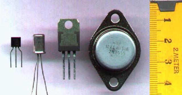 Tipos de transistores: Transistor de contacto puntual, Transistor de unión bipolar, Transistor de unión unipolar o de efecto de campo, Fototransistor.