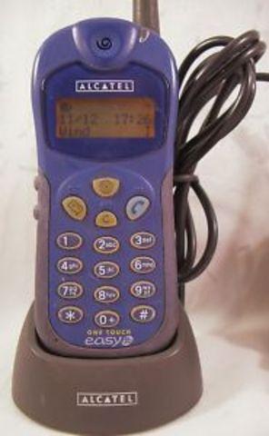 Mi primer teléfono móvil con línea de teléfono.