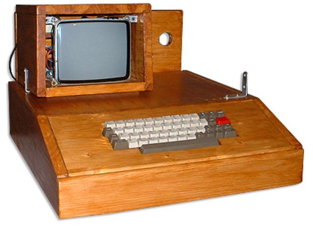 Computadoras Apple 1 son donadas a las ecuelas.