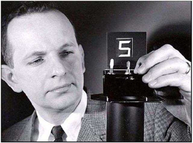 RCA inventa lo que se concerá como LCD