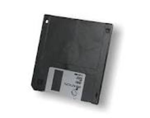 Es inventado el diskette (disco flexible) en IBM por David Noble