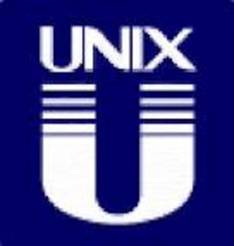 El sistema UNICS, es renombrado como Unix.