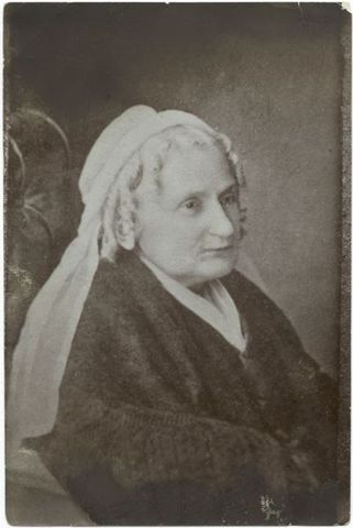 Lee marries Mary Anna Randolph Custis